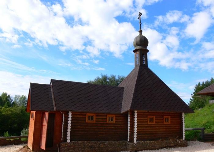 Село Великорецкое. Источник Святителя Николая на р. Великая
