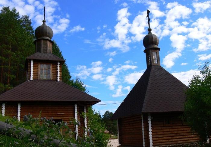 Село Великорецкое. Источник Святите Николая на р. Великая